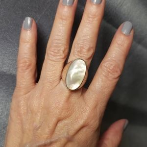 Sterling 925 silver and mother of pearl ring